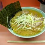千家 - ...「千家 デラックス 中(1100円)」、なぜ人気なのだろう?麺は大橋製麺所のモノ。。