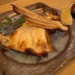 鮨とおつまみ 百万遍 つむぎ - 鮨とおつまみ 百万遍 つむぎ のはまちのカマ焼き(12.07)