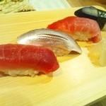築地玉寿司 - まぐろ140円、小肌140円、中とろ380円、なす98円