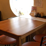 山鶏 - テーブル席2