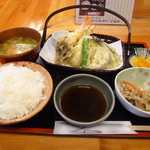 旬処 園 - 料理写真:海老とお野菜の天ぷら 680円