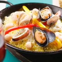 バルde Ricotta - 魚介のパエリア