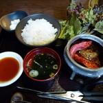 17508656 - 【熟成壷漬焼肉定食 1800円】