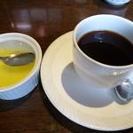 焼肉の龍園 - ランチにはコーヒー付き、女性にはさらにデザート付きです♪