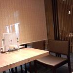 17517815 - 一人でもテーブル席へ案内してくれました。