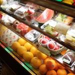 Iketsurukajitsu - 店頭には美味しそうな果物がずらり
