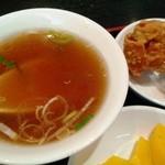 17521252 - ランチのスープ、唐揚げ、漬物