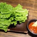 焼肉 清香園 - セットのチシャ