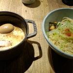 和醸良麺 すがり - カレーつけ麺+煮玉子