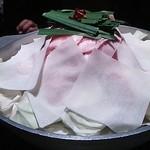餃子・地鶏・もつ鍋 はかた屋 - 国産産黒毛和牛のべっぴん博多しゃぶしゃぶ
