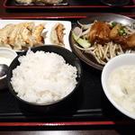日本橋焼餃子 - 日替わり定食豚角煮定食です