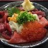 山芳亭 - 料理写真:山芳丼(やまよしどん)マグロと白いかのウニまぶしどんイクラのせ