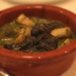 ラターシュ - エスカルゴと茸のブルゴーニュ風 のアップ