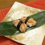 大衆酒場うな - おにぎりなのか、お寿司なのかは分かりませんが店主のオススメだそうです。