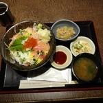 17532182 - 海鮮丼ランチ980円