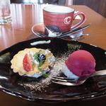柳庵 - デザートのダブルベリーのタルトとシャーベット、コーヒー