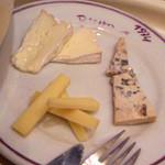ビストロ・ダルブル - チーズ盛り合わせ