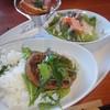 ナチュラル・木 - 料理写真:日替りランチ(1,000円)グリルハンバーグ 香味わさびソース