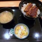 1754161 - うな丼定食