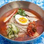 五湯道 - 〆にはさっぱりムル冷麺。ピリ辛です。