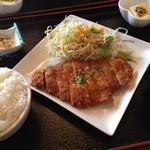 中華料理 帰郷 - 油淋鶏定食 780円 ランチで頂きました。 お酢がきいててさっぱり食べれておいしく頂きました (*´ڡ`●)  お店の方々は中国の方かなぁと思われる会話が飛び交ってました。