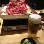 兵庫うまいもん てっぱんや  - 肉鍋、ビール、お漬物