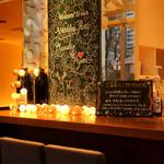 DBL CAFE DINER - カウンター席で自分だけの時間を楽しむ方も多いです。