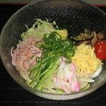たわらや - 和風冷麺、冷麺をうどんで仕上げました、当店の夏メニュー人気ナンバー1! 九八〇円