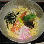 たわらや - 冷やし散らしうどん、散らし寿司風のうどんで夏御膳でしたらセットに込みです。 八四〇円