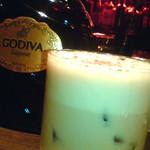 ジャズバー ストレイ ブルー ジャズ クラブ - ゴディバのリキュールを使ったカクテル