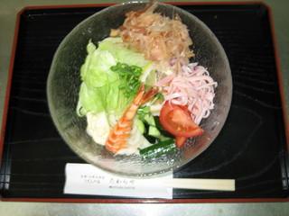 たわらや - サラダうどん、サラダとうどんのコラボ絶品です! 九三〇円