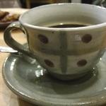 シーフィールド - 器と言えば、前回おじゃました時から、このカップ&ソーサーがいたく気に行ってしまったボキ。こちらのお店では食器の販売もされているので今日はカップ&ソーサーを見せて頂くことに・・・