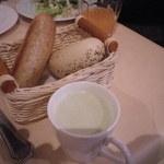 ビストロ アンジェ - パンとスープ