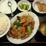 17562343 - 八宝菜定食 900円