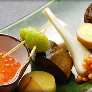旬を味わう繊細な京料理をお楽しみください。