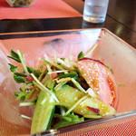 ア・ターブル・エスプリ - 10種野菜のサラダ