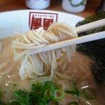 風風ラーメン - 麺は細麺でしょうか
