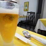 菜香 - 店内とビールで乾杯