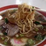 味佳 - ワンタン麺(麺アップ)