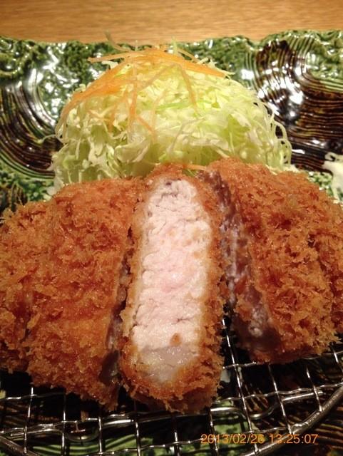 平田牧場 玉川高島屋S・C店 - 三元豚のロースカツです。