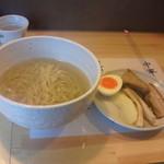 中華そば 慈庵 - 今度はトッピングは別皿で出てきます