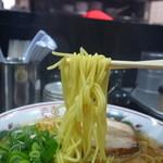 金久右衛門 - 細麺はこんな感じです。