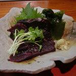 寿司 地魚料理 水月 - 鯨の刺身600円