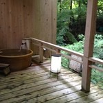 旬彩 つりばし - 内観写真:部屋付き露天風呂が二つ