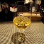 ワールド・ワインバー byピーロート - ドリンク写真:モーニングセットは+150円でワインにできます