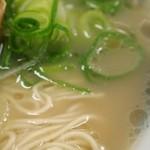 元祖長浜屋ラーメン - スープ