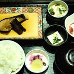 魚豊 - 大好評ランチ♪限定15食の銀ダラ煮付け定食です♪