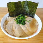 横浜ラーメン 山村家 - ボリュームたっぷり!チャーシュー麺!!
