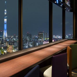 東京の夜景を眺めながらムードたっぷりの時間をおすごし下さい。