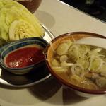 紅とん - キャベツとモツ煮
